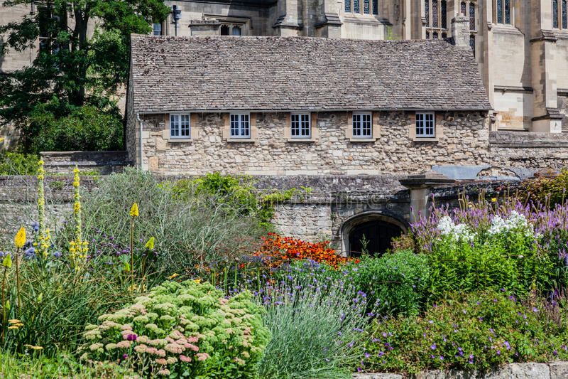Historisches mittelalterliches Steingebäude Oxfords England lizenzfreies stockbild