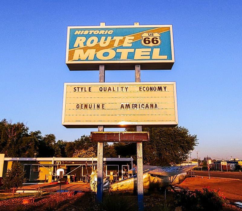 Historisches Route 66 -Motel im New Mexiko lizenzfreies stockfoto