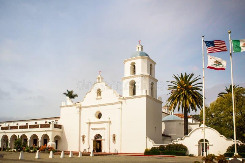Historisches San Luis Rey Mission im Ozeanufer Kalifornien stockbilder