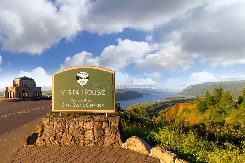 Historisches Vista-Haus am Kronen-Punkt in schöner Columbia River Schlucht Oregon lizenzfreie stockfotos