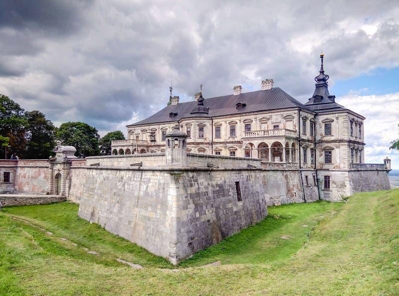 Historisk arkitekturmonument, som byggdes i den 17 århundrade Pidgoretsky slotten i Pidgirtsy, den Lviv regionen, Ukraina royaltyfria bilder