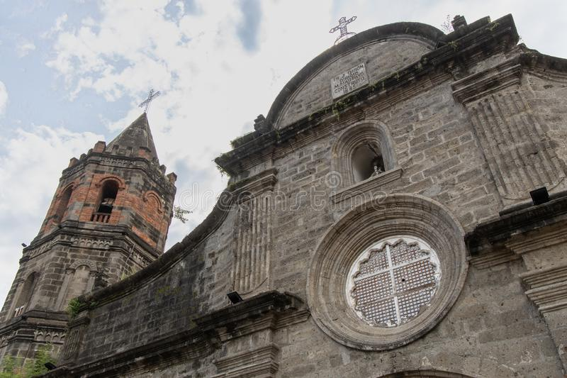 Historisk barasoainkyrka Vår fru av Mt Carmel Parish, Malolos City, Bulacan royaltyfria bilder