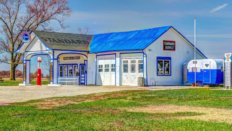 Historisk bensinstation för Route 66 normalolja arkivbilder