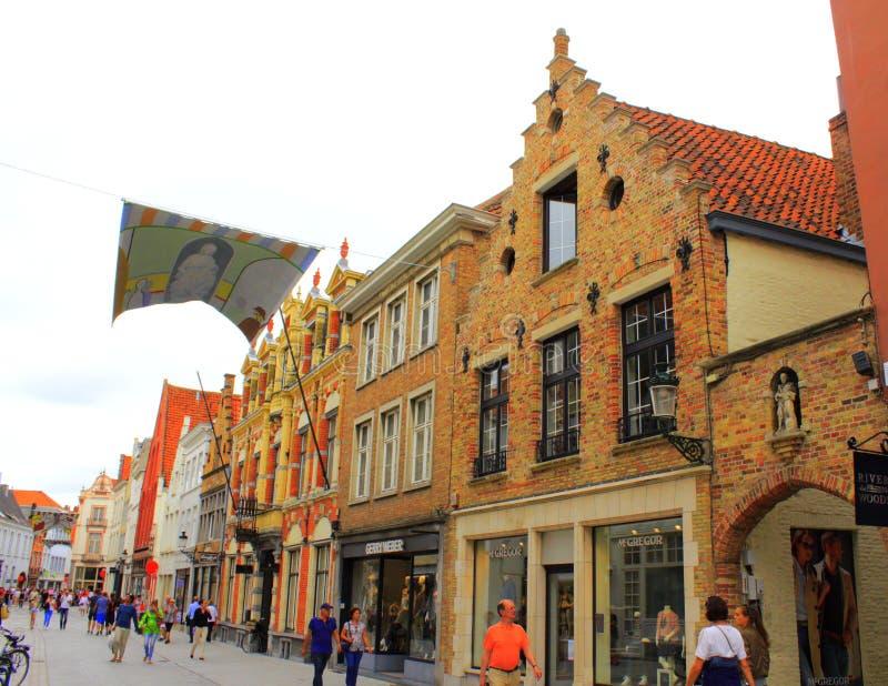 Historisk Bruges gata Belgien arkivfoton