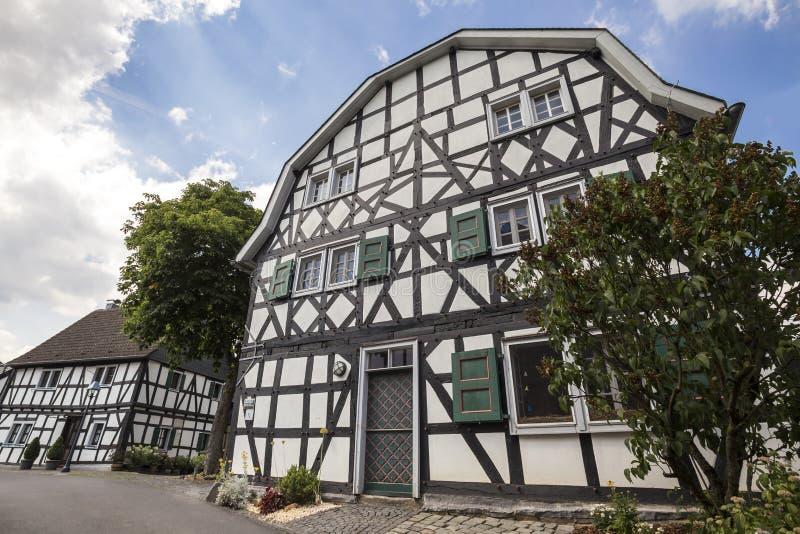 Historisk byblankenberg i Tyskland royaltyfria foton