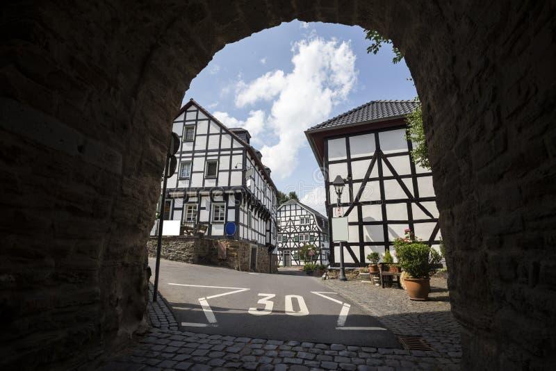 Historisk byblankenberg i Tyskland royaltyfria bilder