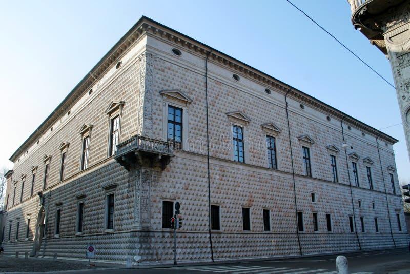 Historisk byggnad i Ferrara (Italien) royaltyfri fotografi