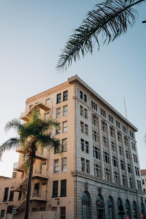 Historisk byggnad i i stadens centrum Santa Ana, Kalifornien fotografering för bildbyråer