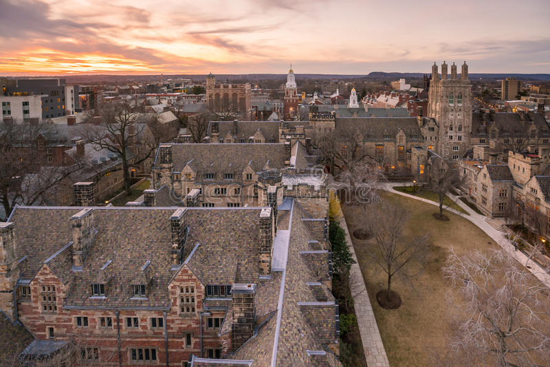 Historisk byggnad och Yale universitetsområde arkivfoton