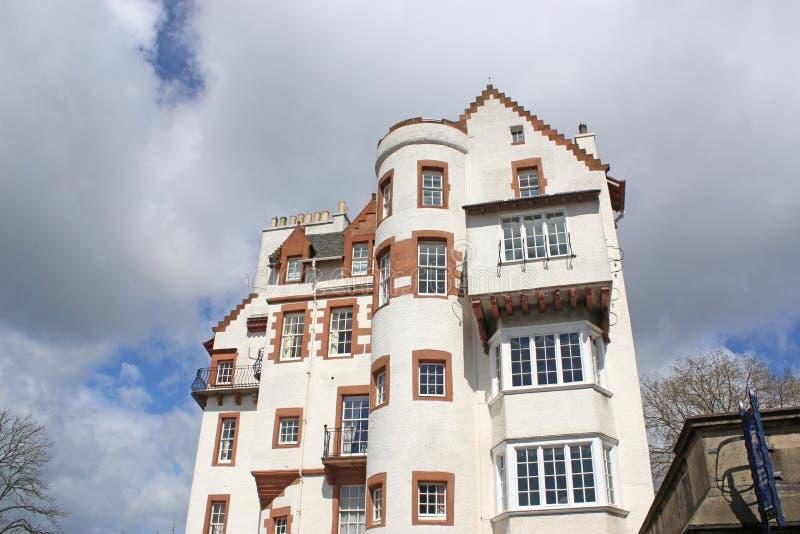 Historisk byggnad vid Edinburgslotten, Skottland royaltyfria bilder