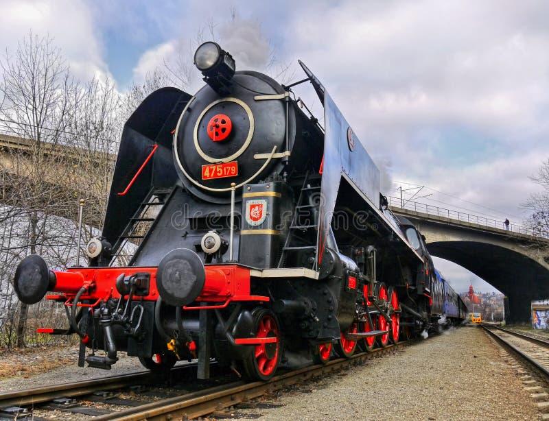 Historisk drevlokomotiv royaltyfri bild