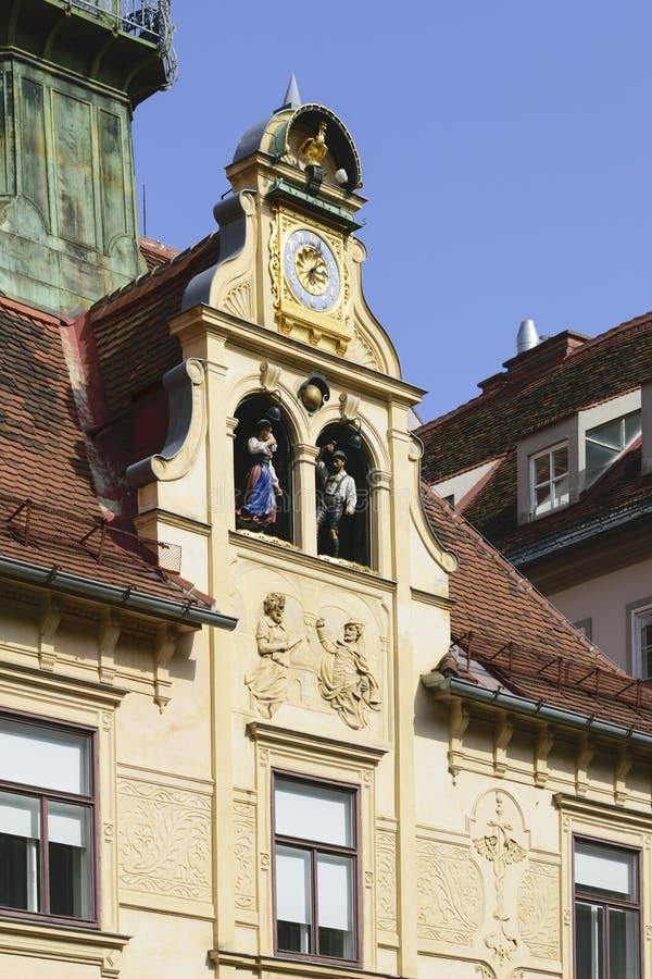Historisk Glockenspiel Graz Österrike arkivbild
