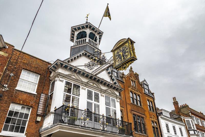 Historisk klocka för Guildford Guildhall arkivfoto