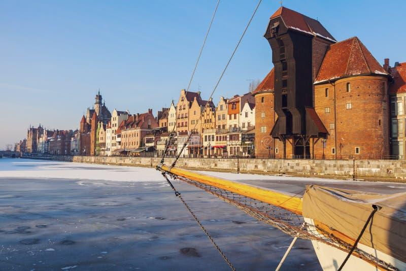 Historisk kran i Gdansk royaltyfri bild
