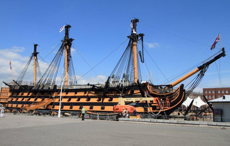 Historisk krigsskepp på Portsmouth royaltyfri bild