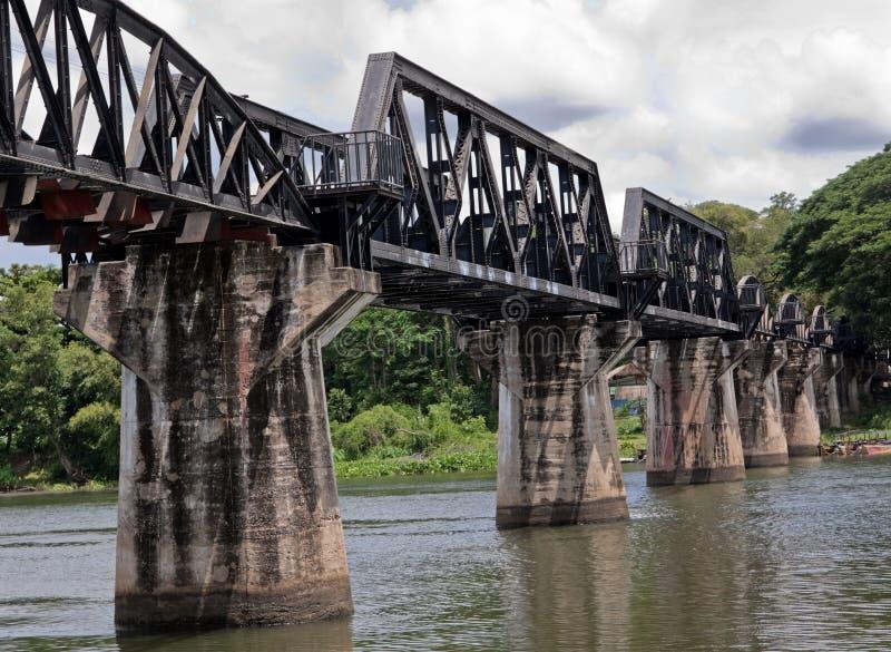 historisk kwaiflod för bro arkivbild