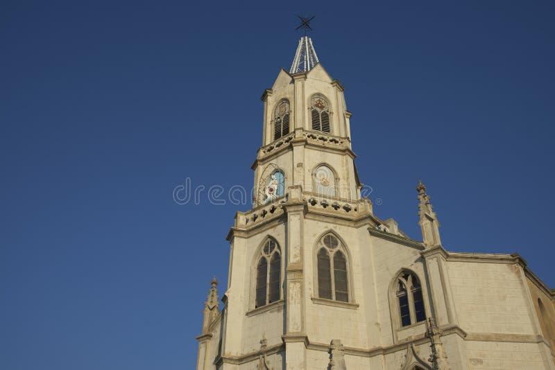 Historisk kyrka i Valparaiso royaltyfria bilder