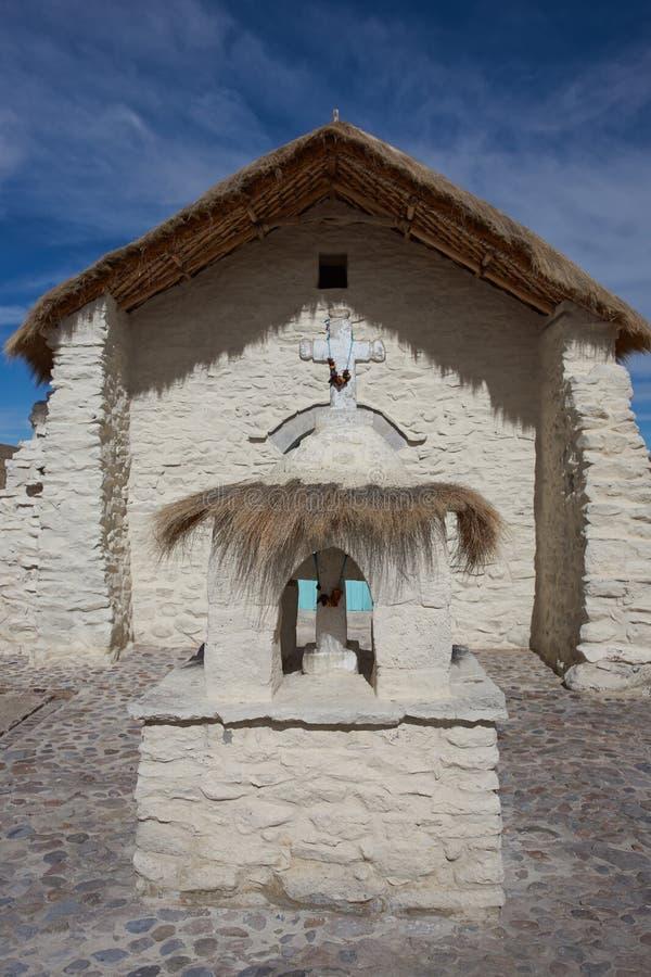 Historisk kyrka på Altiplanoen royaltyfri foto