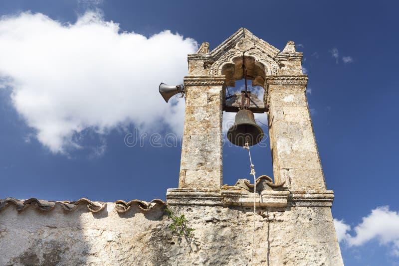 Historisk kyrklig kyrktorn på Kreta, Grekland arkivbild