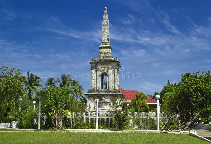 Historisk Magellan monument på Filippinernaöar fotografering för bildbyråer