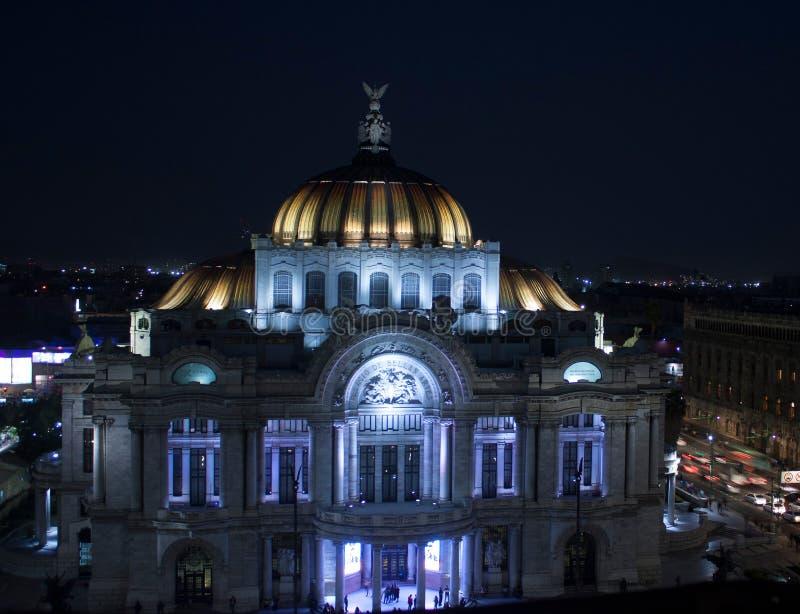 Historisk mitt i Mexico - stadsslott av konster royaltyfri fotografi