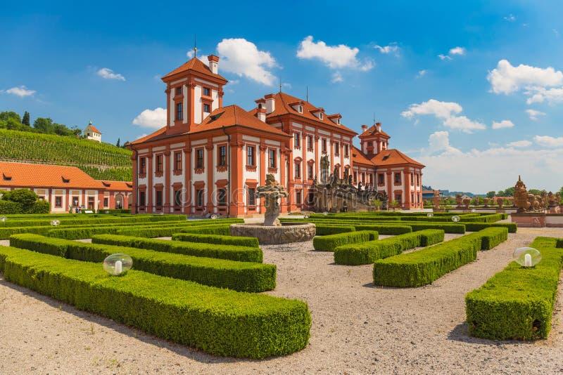 Historisk offentlig byggnad av den Troja slotten, Prague, Tjeckien arkivfoto