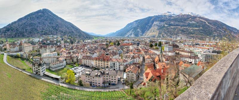 historisk panorama switzerland för chur fotografering för bildbyråer