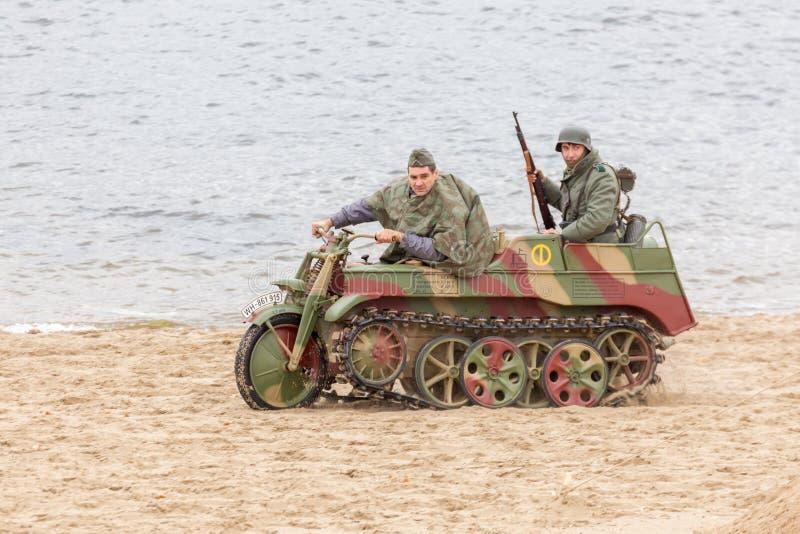 Historisk rekonstruktion av striden av det andra världskriget arkivbild