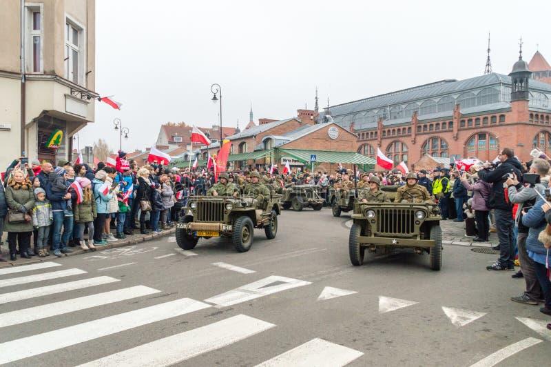 Historisk rekonstruktion av USA tjäna som soldat på den 100. årsdagen av den polska självständighetsdagen royaltyfri fotografi