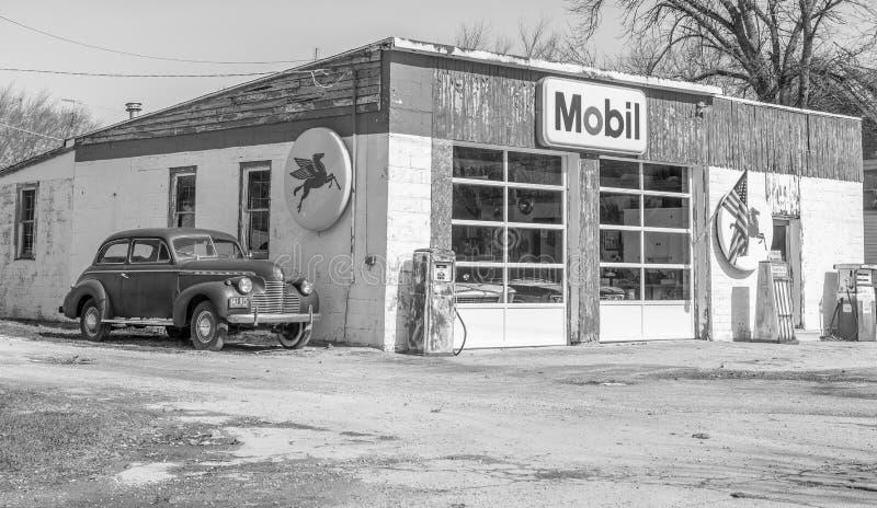 Historisk Route 66 Mobil bensinstation arkivfoton