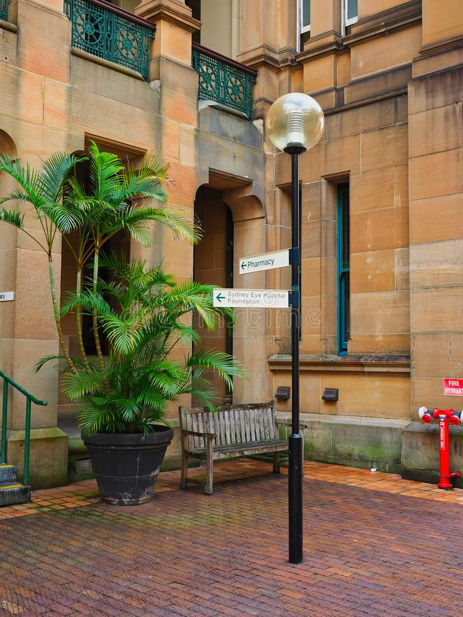 Historisk sandstenbyggnad, Sydney Eye Hospital, Australien royaltyfri bild