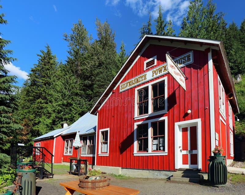 Historisk silversmed Powerhouse i Sandon, British Columbia arkivbild