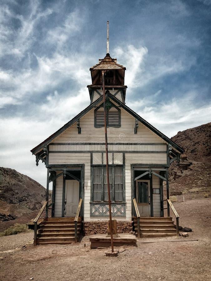 Historisk skolhus, kalikåspökstad, Kalifornien royaltyfri bild