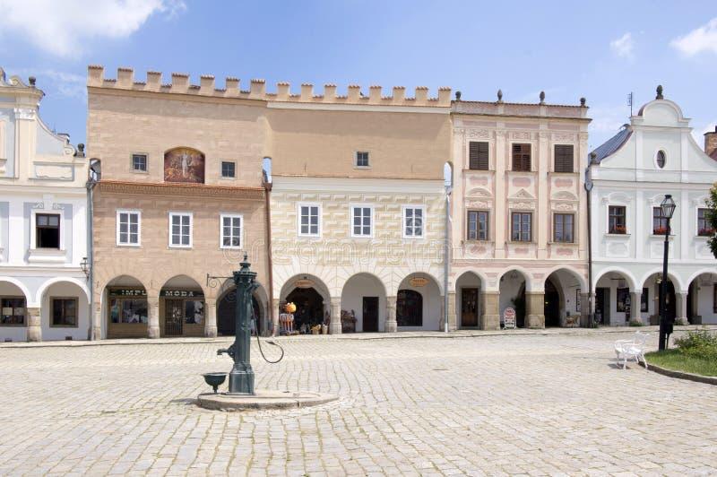 Historisk stad Telc, utkiktorn in i skyddat område för UNESCO, Tjeckien arkivfoton