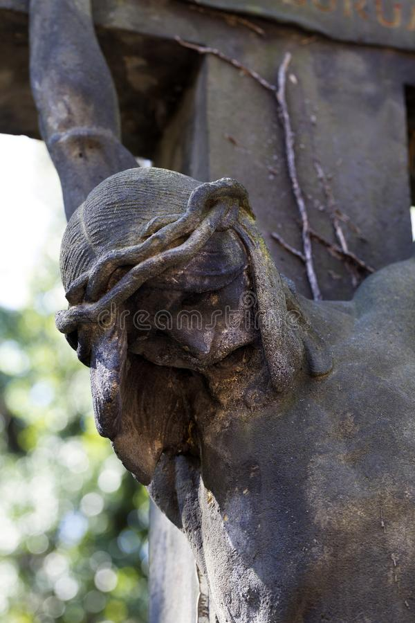Historisk staty p? den gamla Prague f?r g?ta kyrkog?rden, Tjeckien fotografering för bildbyråer