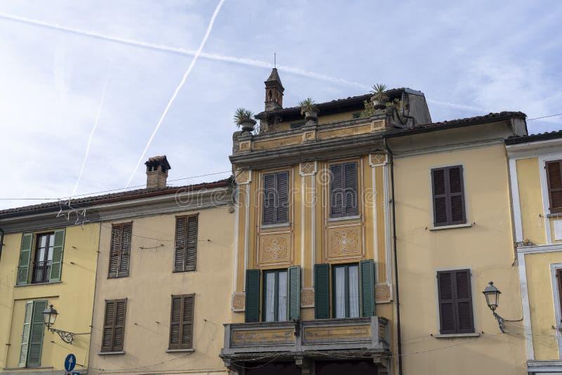 Historiska byggnader av San Colombano al Lambro, Italien royaltyfri fotografi