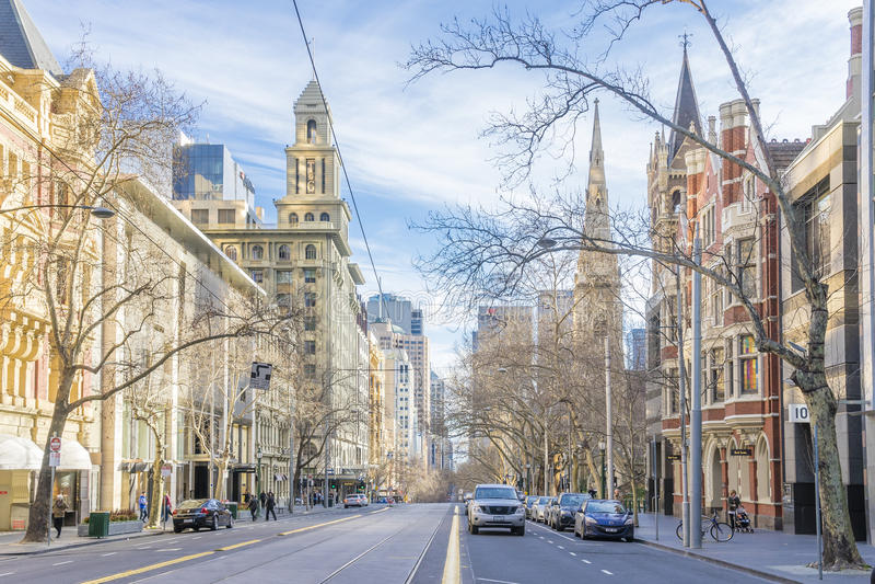 Historiska byggnader i Collins Street i Melbourne, Australien royaltyfria foton