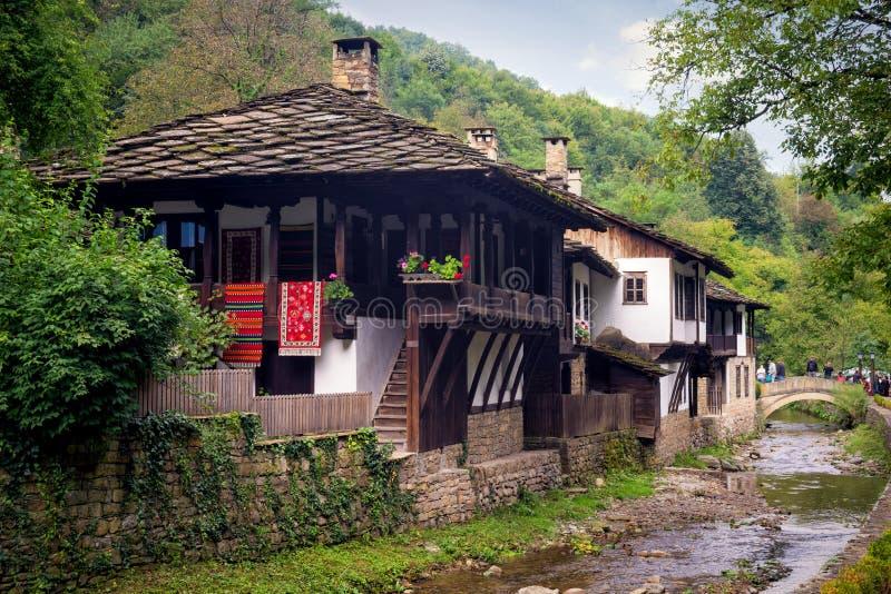 Historiska ethnographic komplexa Etara, Bulgarien arkivfoto