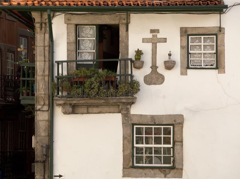 Historiska fönster arkivbild