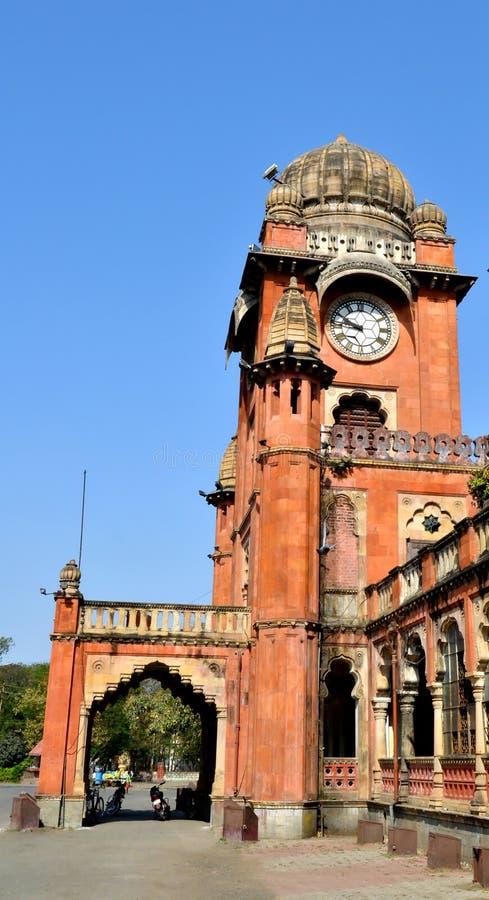 Historiska Gandhi Hall och klockan royaltyfria foton