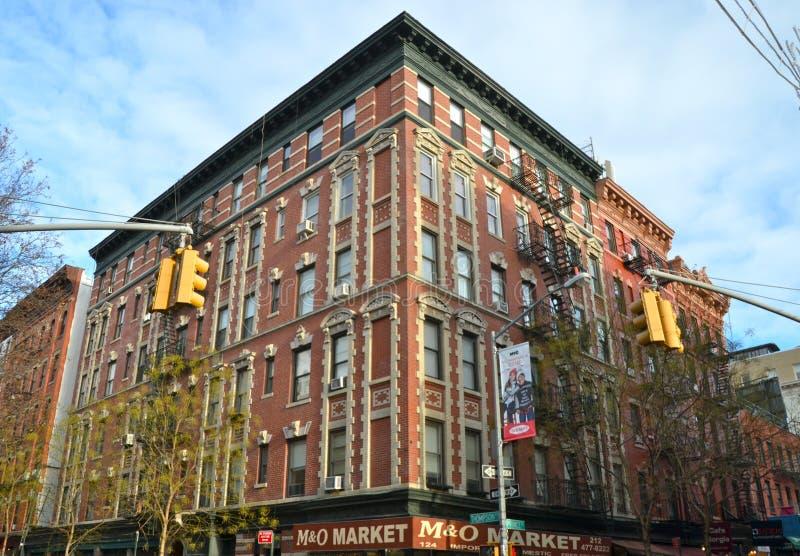 Historiska gjutjärnbyggnader i News York City det Soho området arkivbild
