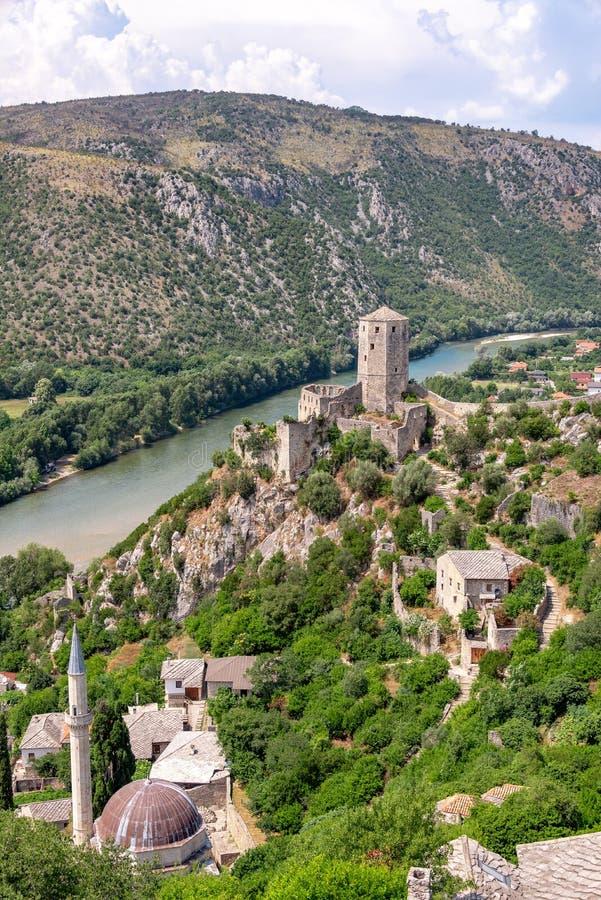 Historiska Pocitelj, Bosniensikt royaltyfri foto