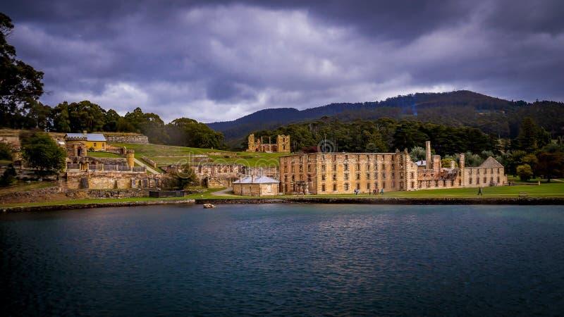 Historiska straffångestrukturer i Port Arthur, Tasmanien, Australien royaltyfri bild