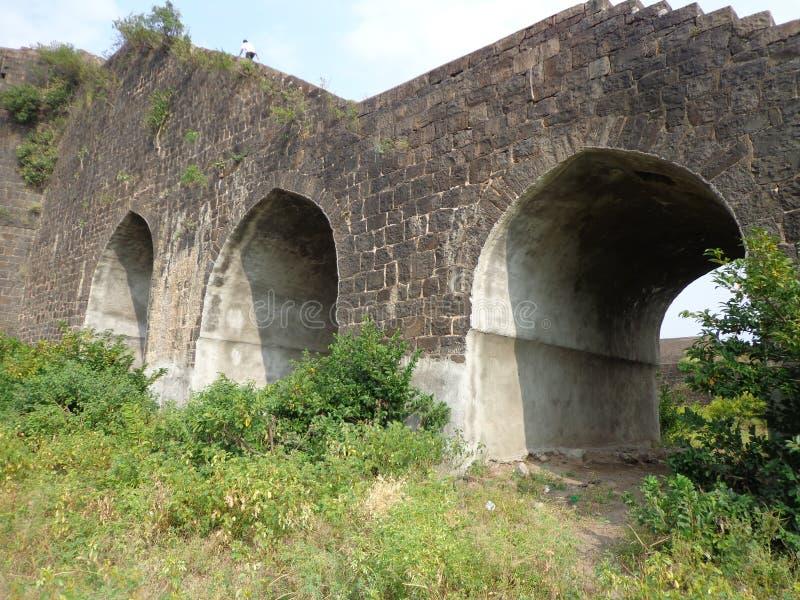 Historiska strukturer och konstruktioner som göras från stenar arkivfoto