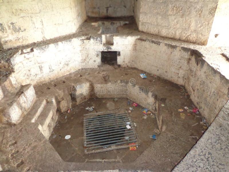 Historiska strukturer och konstruktioner som göras från stenar arkivfoton