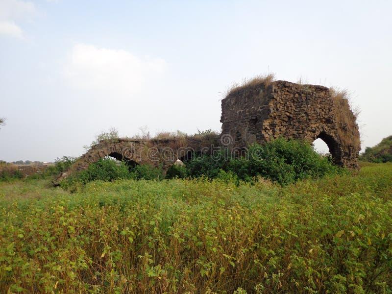 Historiska strukturer och konstruktioner som göras från stenar royaltyfria foton