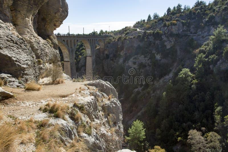 Historiska Varda Bridge, Turkiet/Adana Loppbegreppsfoto fotografering för bildbyråer
