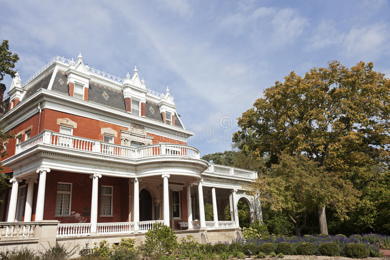 Historiskt Ellwood hus i Dekalb royaltyfria bilder
