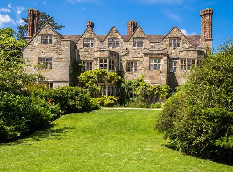 Historiskt engelskt landshus arkivfoton
