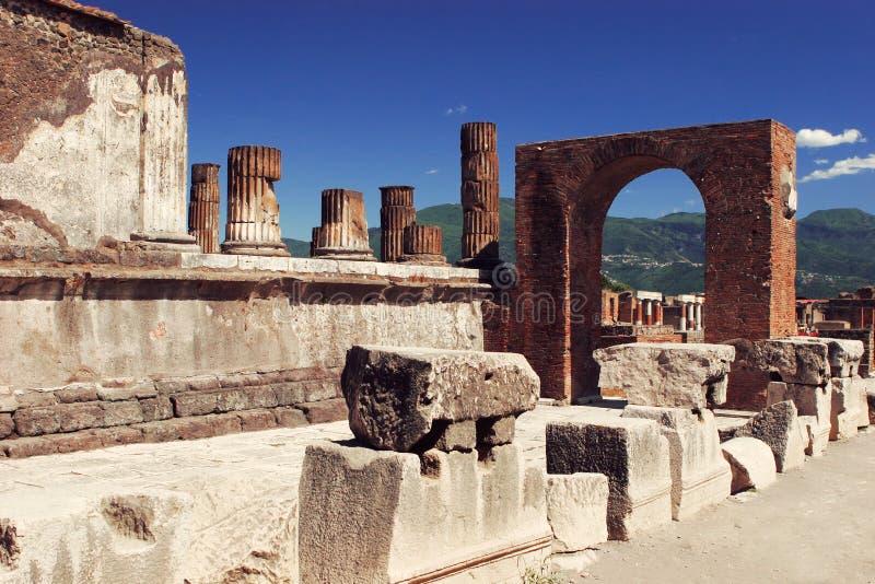 Historiskt fördärvar arkeologi av Pompey Italien royaltyfri bild